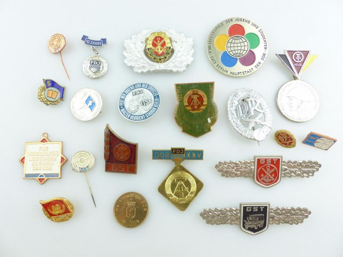 #e5195 Konvolut: 20 original alte, verschiedene DDR Abzeichen GST DTSB FDJ