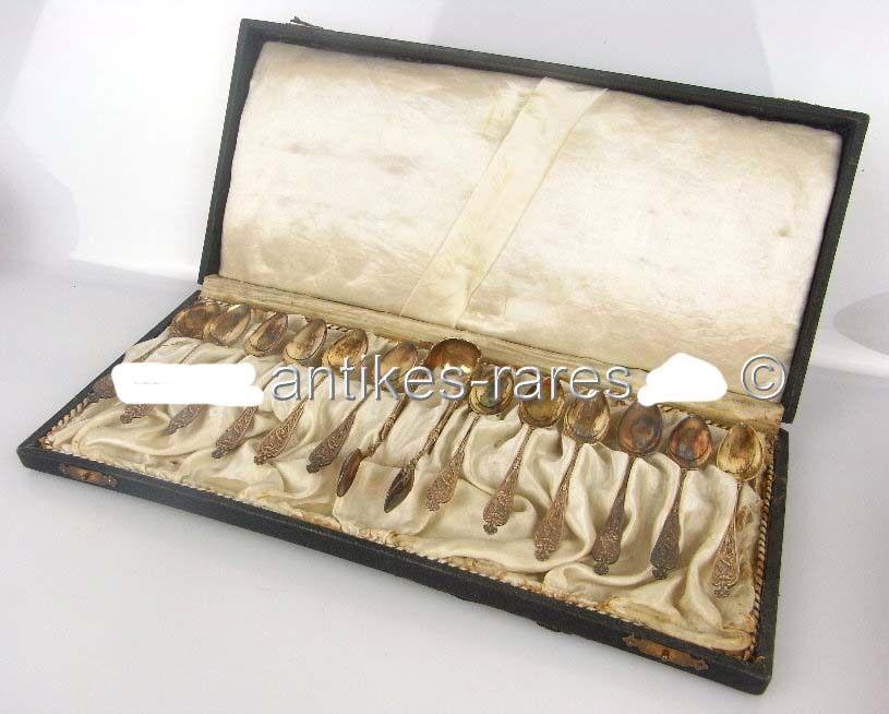 12 alte Jugendstil Teelöffel & eine Zuckerzange in 800 (Ag) Silber, Halbmond & K