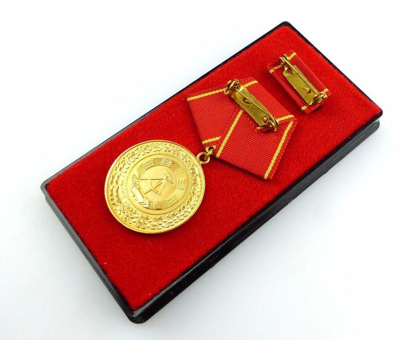 #e5594 DDR Medaille für treue Dienste i.d. bewaffneten Organen des MdI Nr. 140 a 2