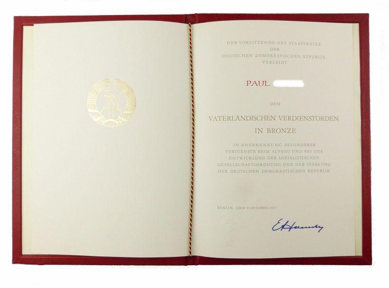 #e6659 VVO Urkunde Vaterländischer Verdienstorden in Bronze mit Mappe von 1977