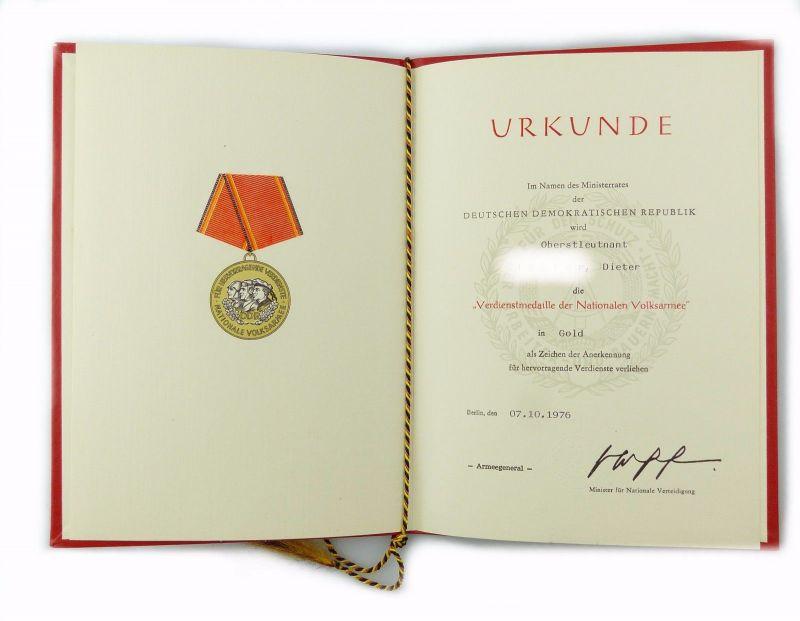 #e7000 DDR Urkunde Verdienstmedaille der NVA in Gold verliehen 1976