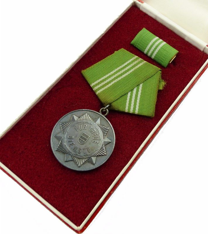 #e6969 Medaille treue Dienste in den bewaffneten Organen des MdI & Urkunde 1963