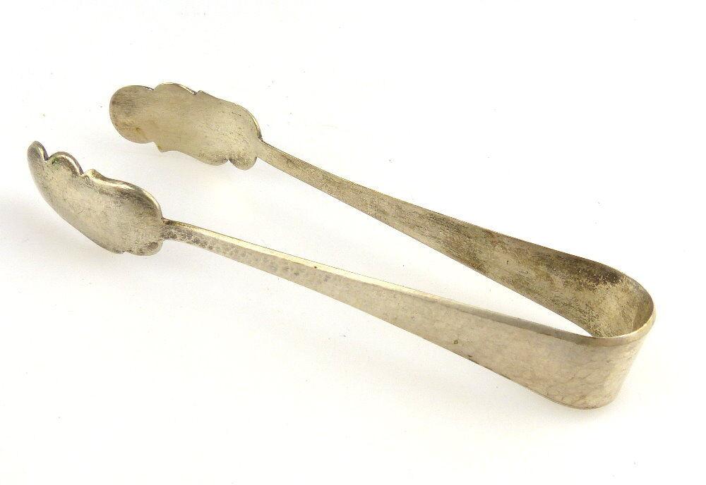 #e2541 Alte handgefertigte Zuckerzange aus 800er Silber