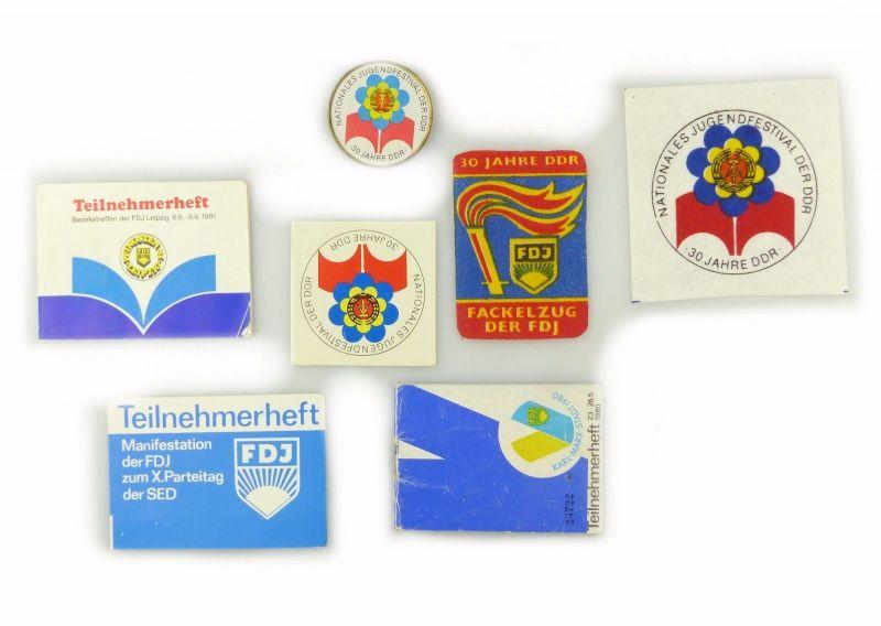 #e6940 Konvolut: Original alte DDR Aufnäher, Aufkleber, Teilnehmerhefte FDJ
