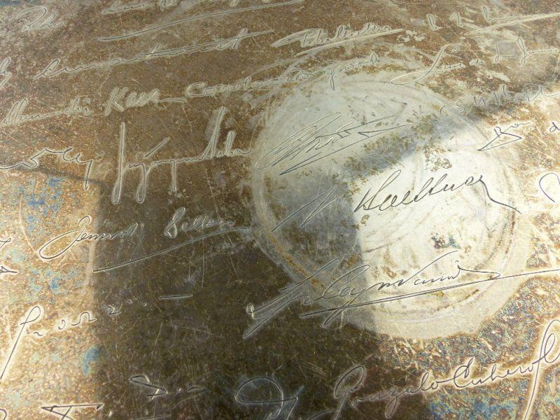 Tablett aus Botschafterhaushalt mit namenhaften Unterschriften 800 Silber e1366 5
