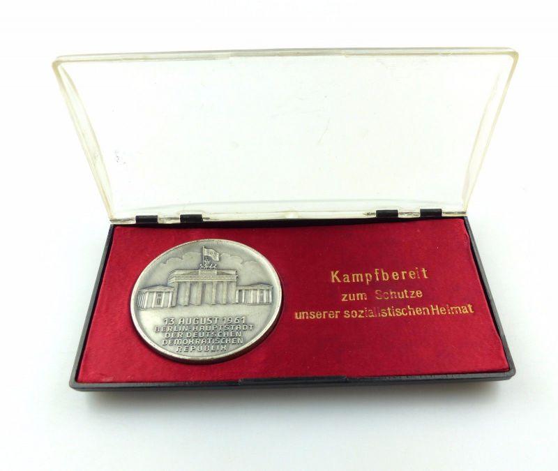 #e6921 DDR Medaille Kampfbereit zum Schutze unserer sozialistischen Heimat 1961
