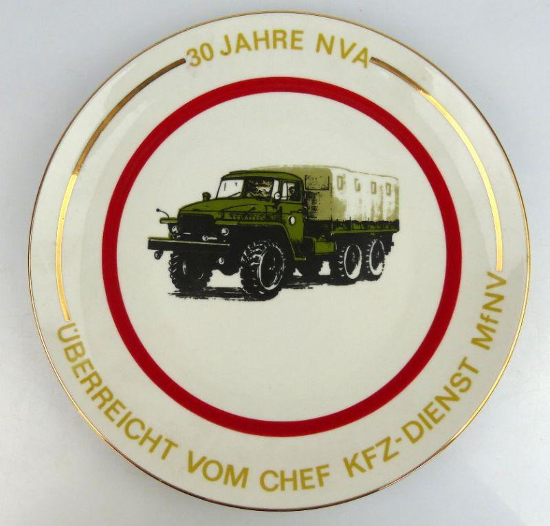 Andenkenteller: 30 Jahre NVA überreicht vom Chef KFZ Dienst MfNV, so212