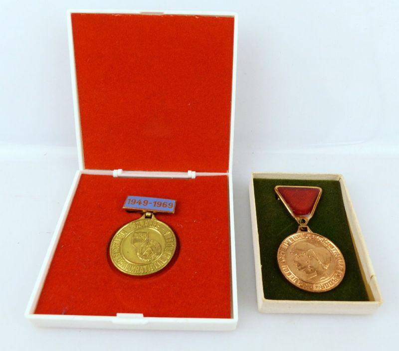 2 Abzeichen: 20 Jahre DDR FDJ und Für Verdienste in der Volkskontrolle e1659
