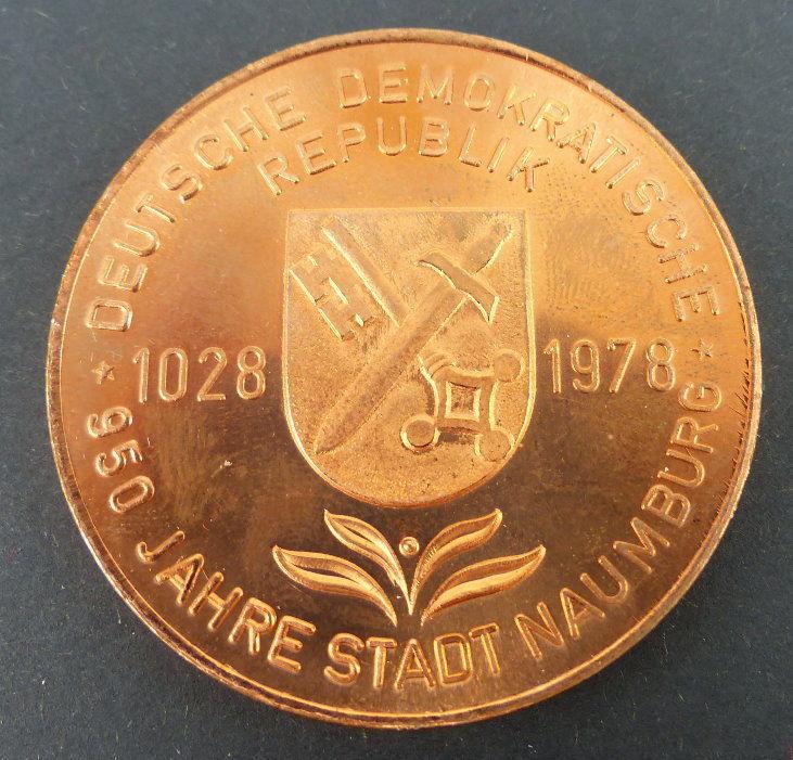 Auktio668 Medaille: 950 Jahre Stadt Naumburg DDR, Rathaus