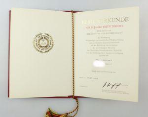 #e6873 DDR Ehrenurkunde für 30 Jahre treue Dienste Nationale Verteidigung 1979