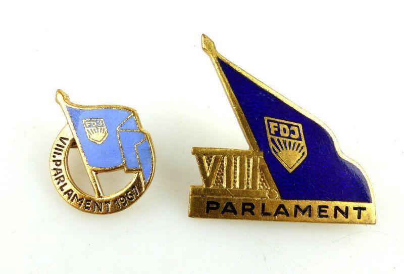 2 Abzeichen: FDJ VIII. Parlament 1967 und FDJ VIII. Parlament e1656