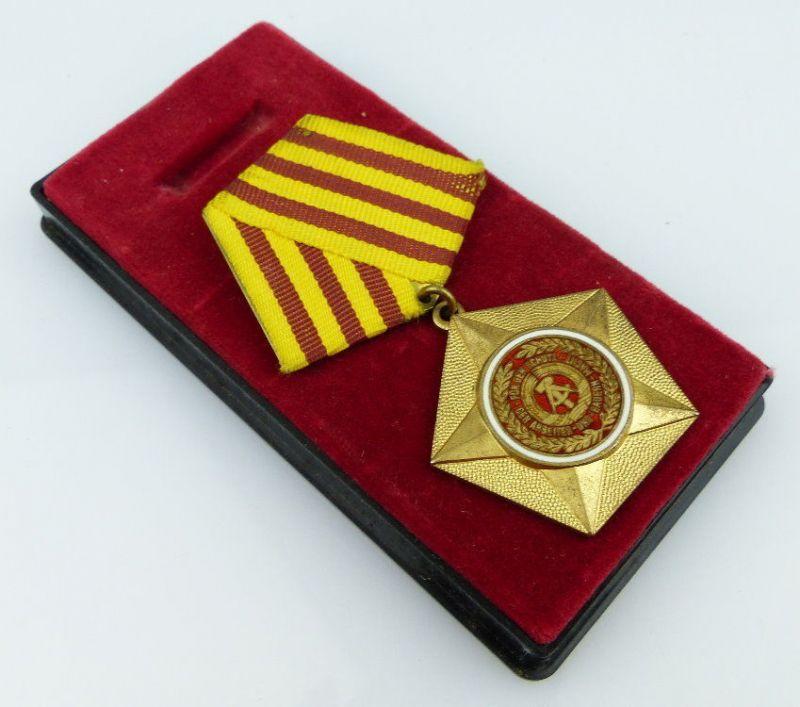 Kampforden Für Verdienste um Volk & Vaterland in Gold 900 Silberpunze Orden2058