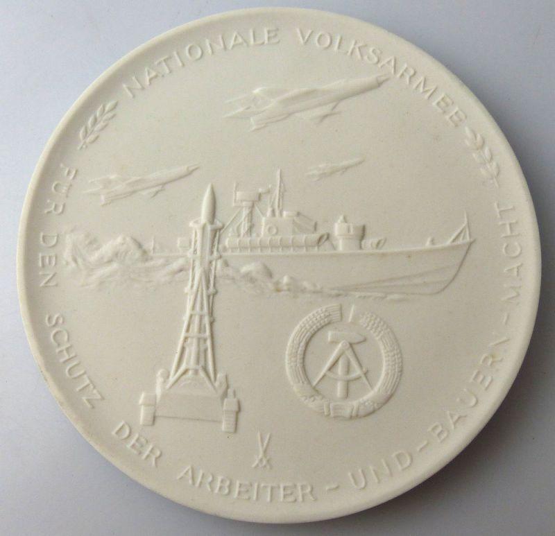 Meissen Medaille: NVA Nationale Volksarmee Für den Schutz der Arbeiter Orden2659