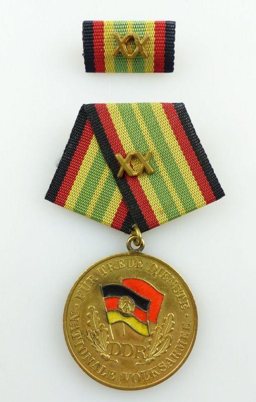 #e3205 DDR Medaille für treue Dienste in der NVA in Gold für 20 Jahre