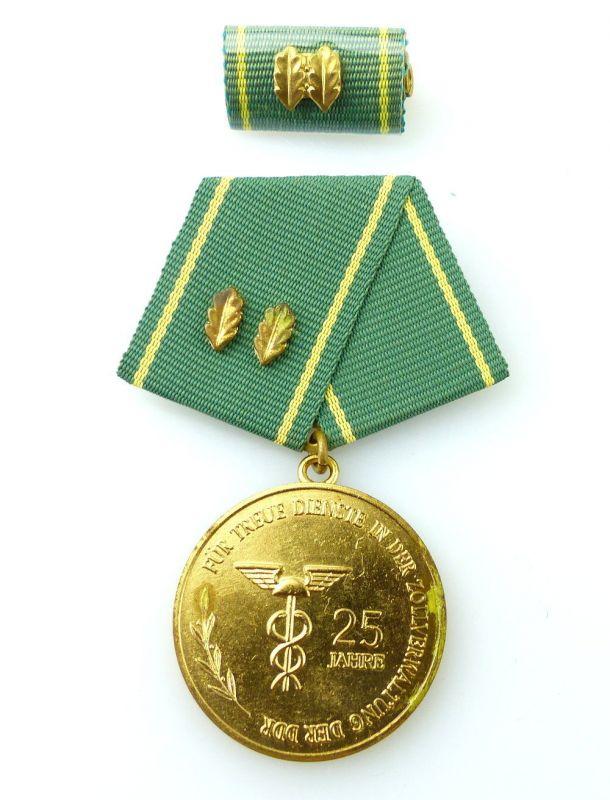 #e2453 Medaille in Gold für 25jährige Dienstzeit in der Zollverwaltung der DDR