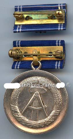 DDR Medaille f. treue Diienste in der zivilen Luftfahrt in Silber 10 Dienstjahre