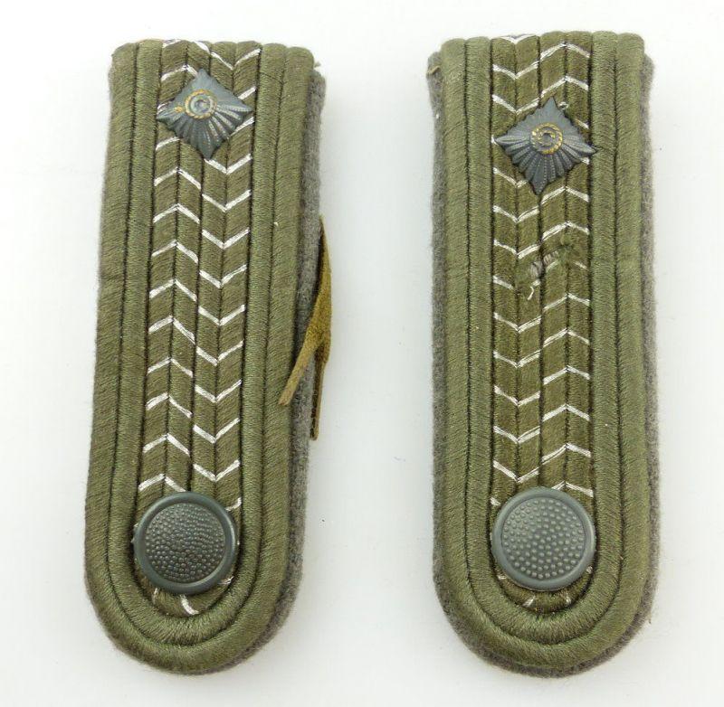 #e3555 1 Paar DDR NVA Schulterstücke Landstreitkräfte Felddienst Fähnrich