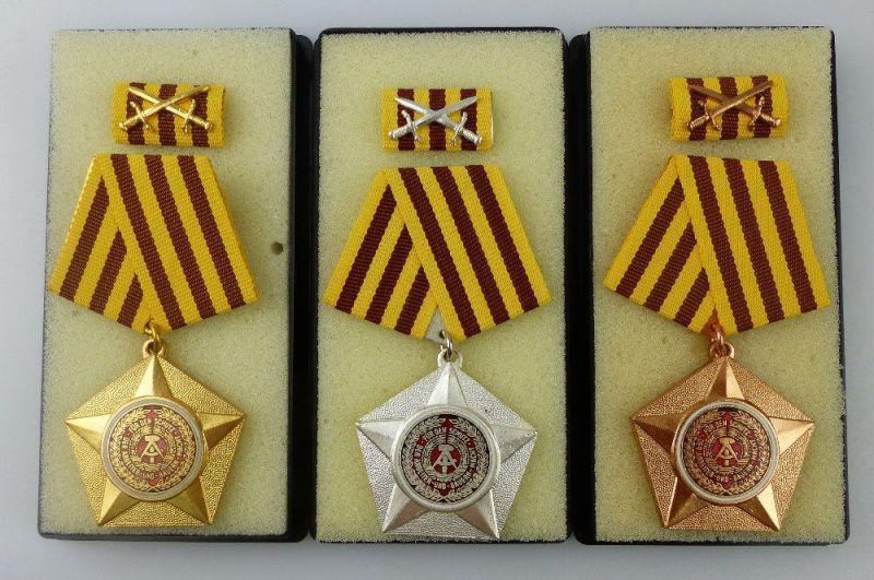 3 Kampforden Für Verdienste um Volk und Vaterland Gold, Silber Bronze, Orden3068