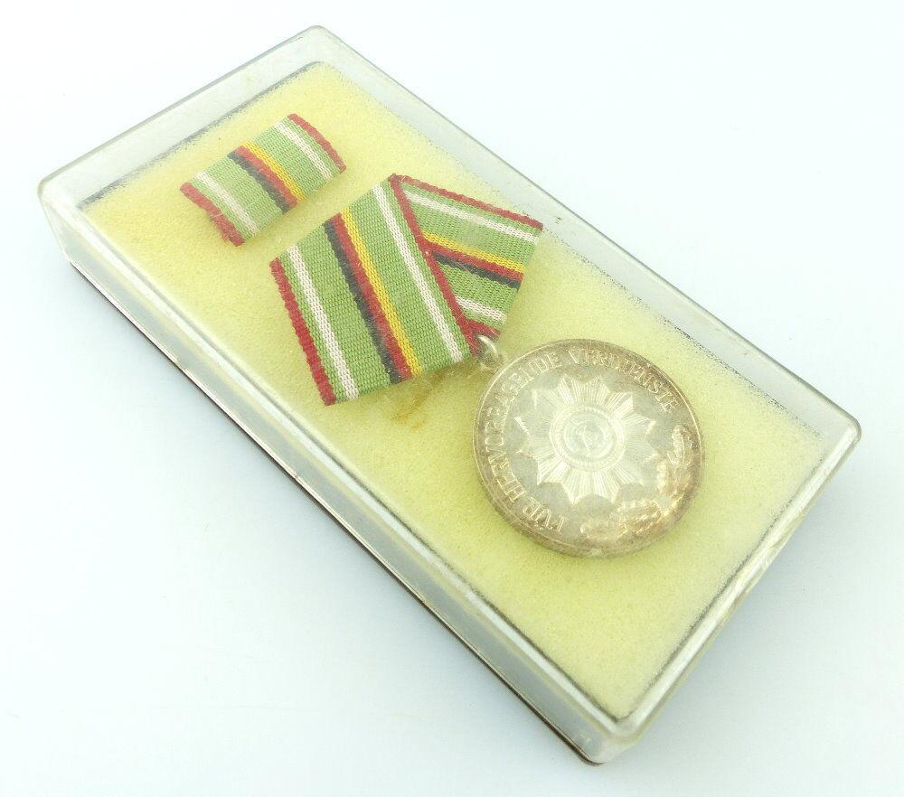 #e2037 Verdienstmedaille der Organe des Ministeriums des Innern, silberfarben