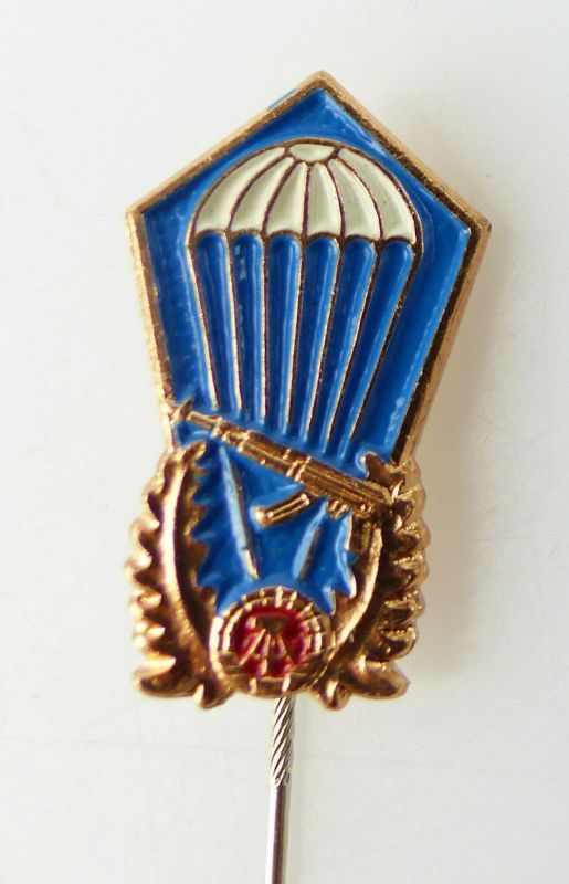 DDR Barettabzeichen Fallschirmspringer