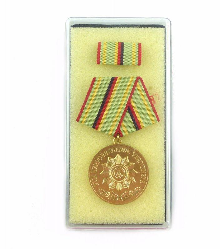 #e6480 Verdienstmedaille der Organe des Ministeriums des Innern in Gold Nr. 211