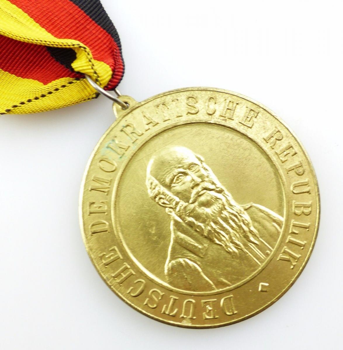 #e5786 DDR Medaille VI. Zentrales Sportfest 1961 Rostock Güstrow goldfarben