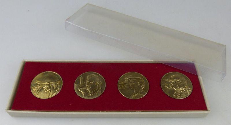 4 Medaillen: 20 Jahre Nationale Volksarmee, Ministerium Nat. Verteidi, Orden1524