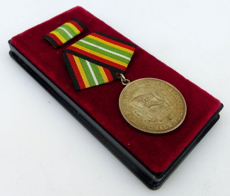 Medaille für treue Dienste NVA Stufe Silber 900 Silber Band I Nr. 150g, Orden916