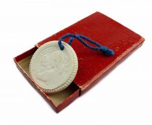 #e6137 Meissen Medaille weiß Weltkongress der Mütter Juli 1955