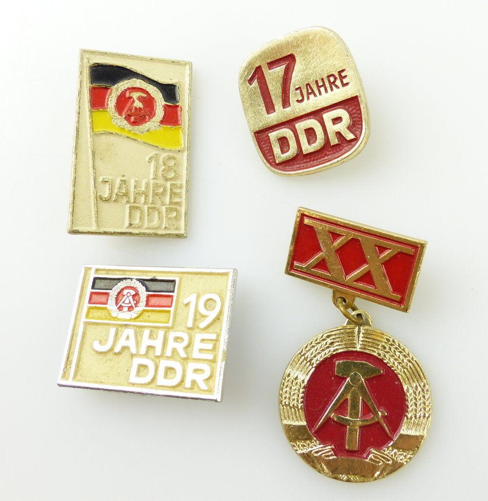 #e2375 4 Abzeichen 17, 18, 19 und 20 Jahre DDR 1932, 1933, 1935, 1937