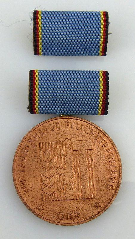 Medaille langjährige Pflichterfüllung Stärkung der Landesverteidigung, Orden1961