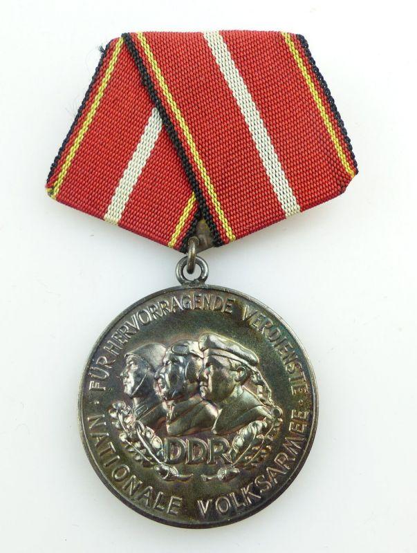 #e3100 Verdienstmedaille der NVA in 900 Silber vgl. Band I Nr. 146 f Punze 10