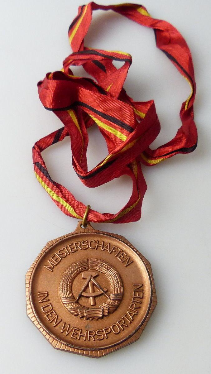 Medaille : Bezirkswehrspartakiade GST 1973MEisterschaften Wehrsportarten / r365