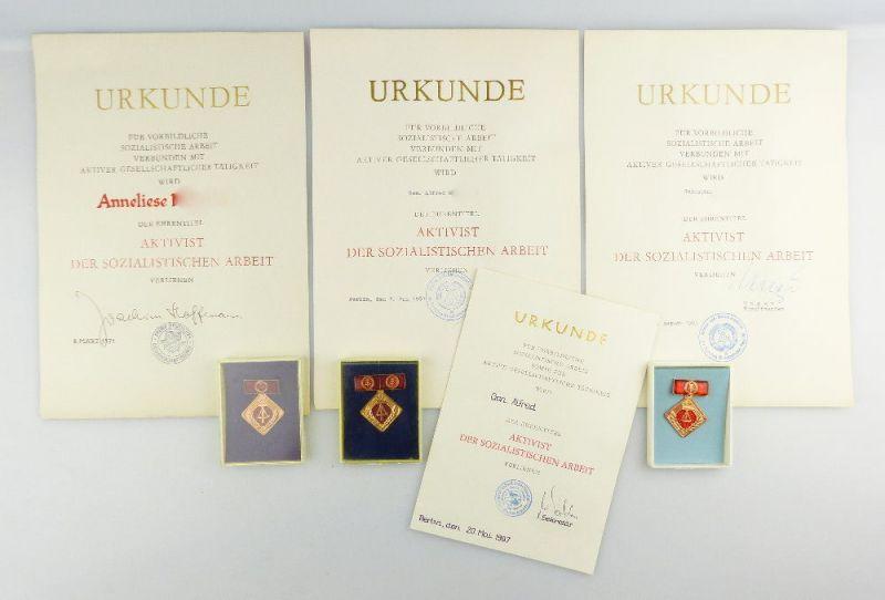 #e2708 3x Ehrennadel der nationalen Front DDR mit Urkunde in Silber und Gold