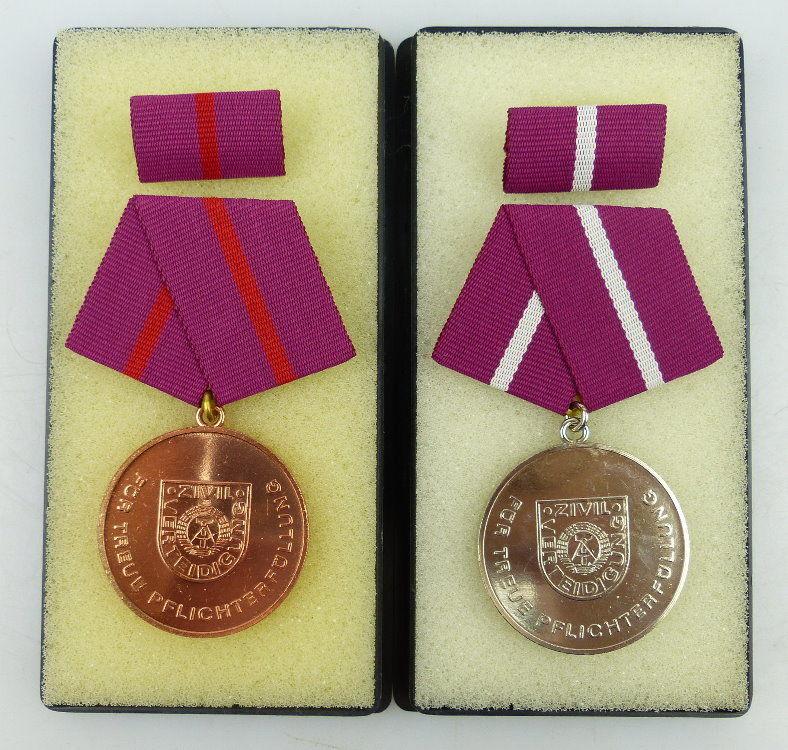 2 Medaillen: Pflichterfüllung Zivilverteidigung DDR Bronze, Silber, Orden1160