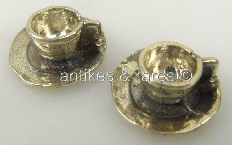 2 schöne Puppenstuben Tassen mit Untertassen in 800 (Ag) Silber
