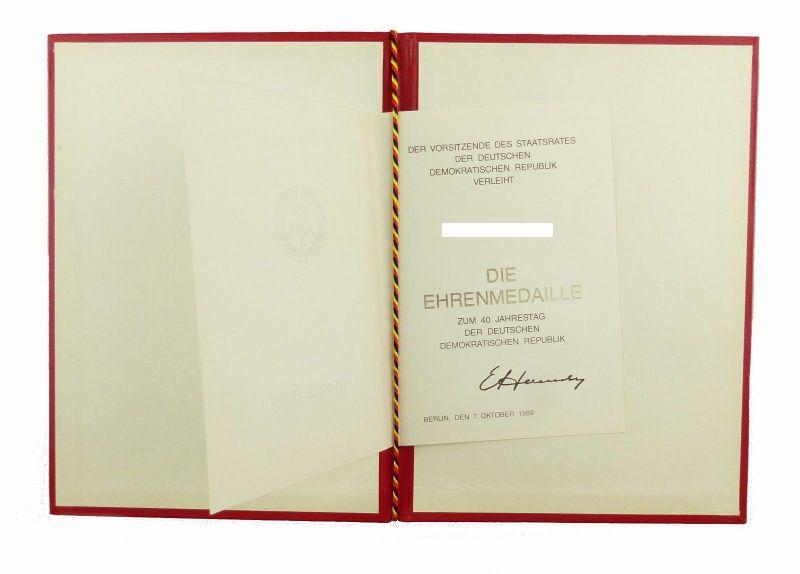 #e6749 Urkunde zur Ehrenmedaille 40. Jahrestag der DDR 1989 mit Mappe