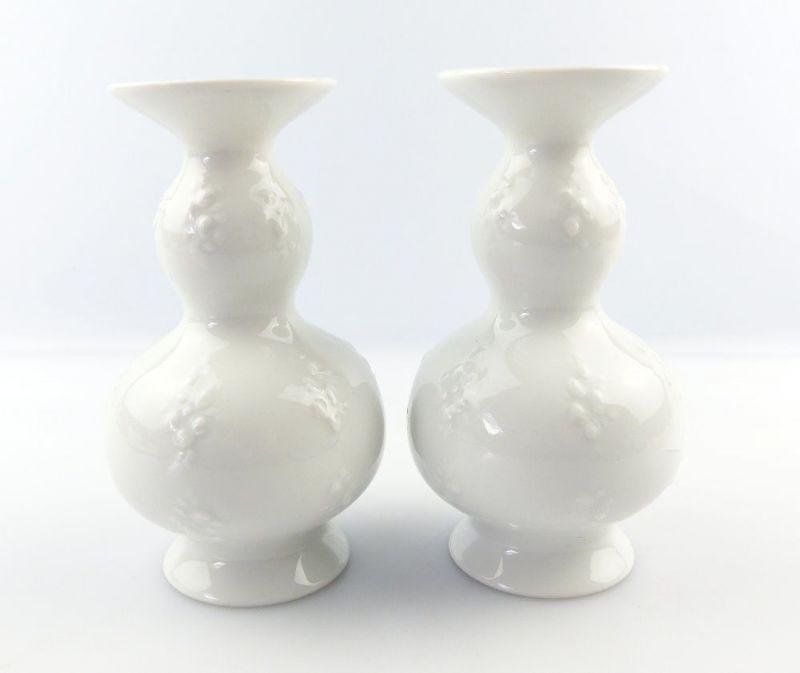 #e3850 2 kleine Wallendorf Vasen mit Blumendekor