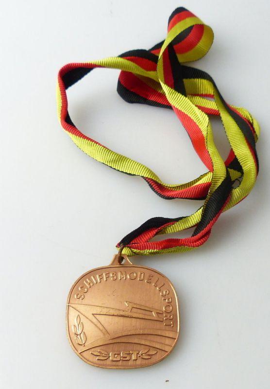 Medaille : Schiffsmodellsport GST Meisterschaft der DDR / r338
