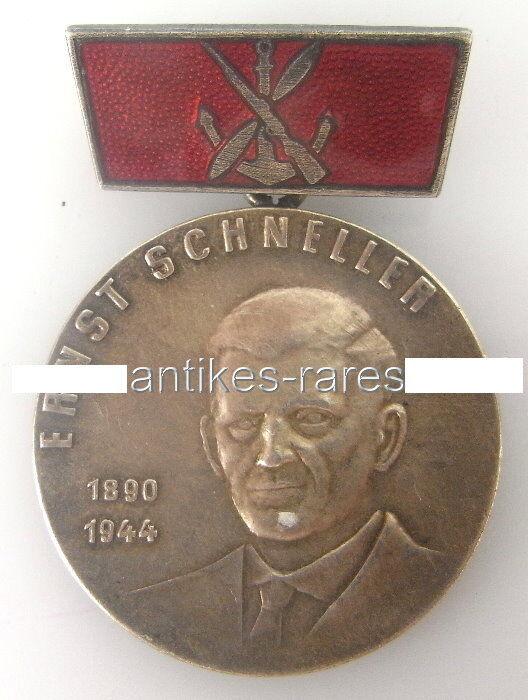 DDR Ernst-Schneller-Medaille mit 900er Silberpunze