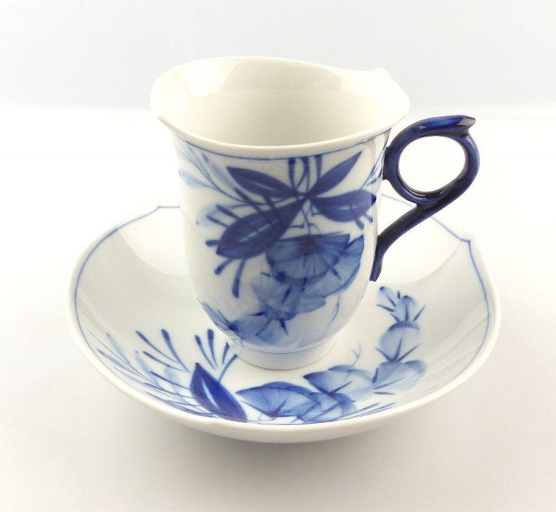 #e4325 Meissen Porzellan Tasse mit Untertasse Robinie kobaltblau, 1. Wahl