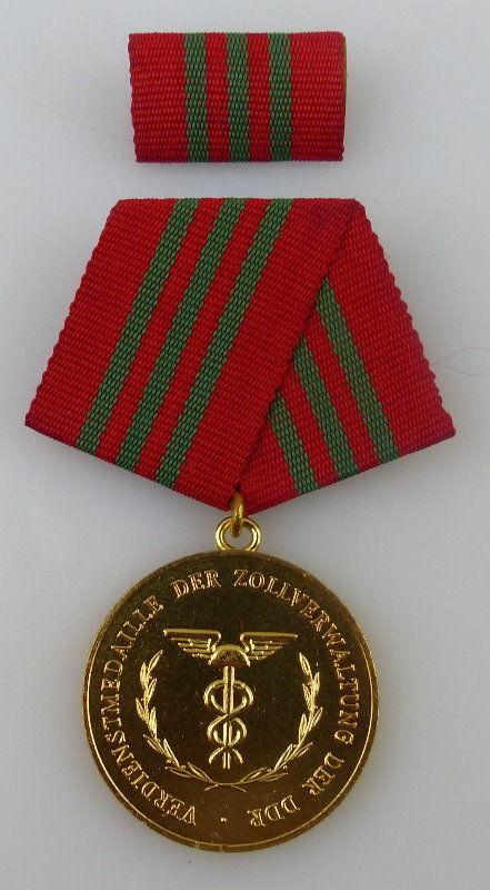 Verdienstmedaille der der Zollverwaltung der DDR, Gold, Orden2295