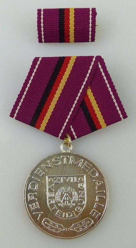Verdienstmedaille der Zivilverteidigung Silber vgl. Band I Nr. 231 Orden2292