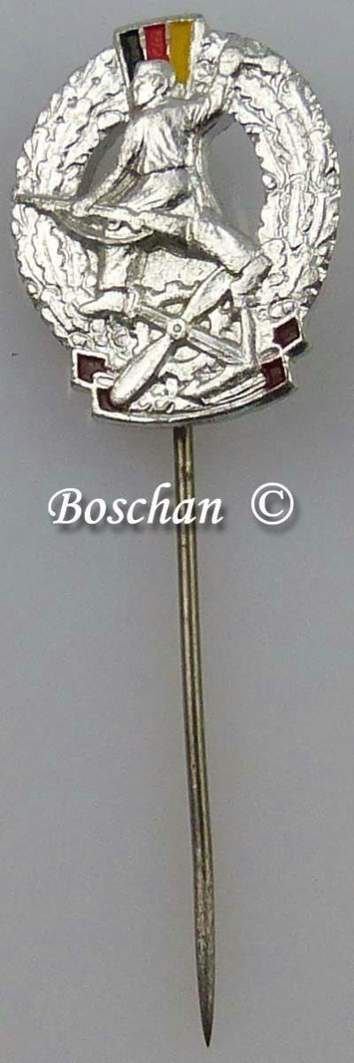 DDR GST Mehrkampfabzeichen Miniaturnadel in Silber 4. Variante (GST0383d)