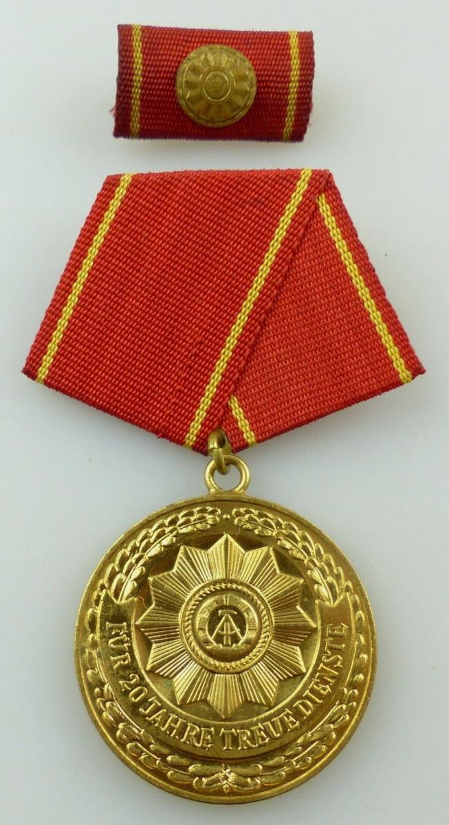 Medaille treue Dienste in den bewaffneten Organen MdI Gold Nr. 140 a ,Orden3281 2
