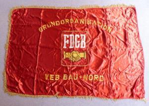 Schwere Seiden Fahne: Grundorganisation FDGB VEB Bau Nord , Orden2901