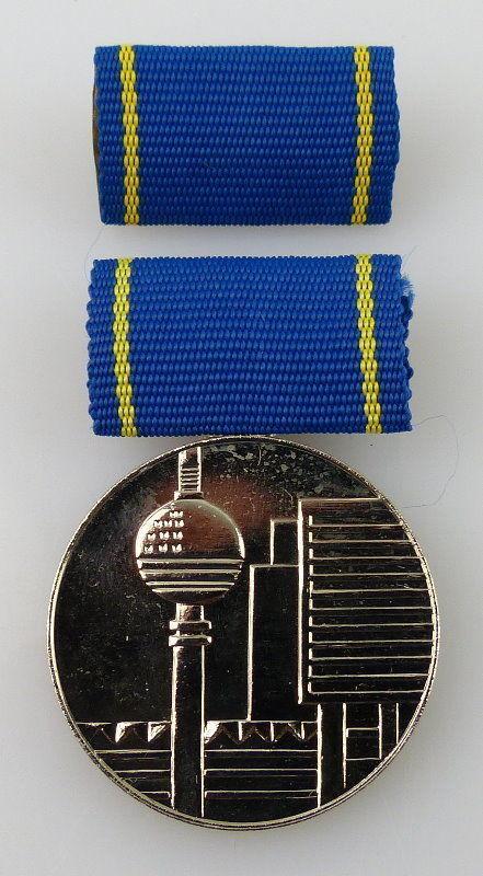 Medaille für hervorragende Leistungen im Bauwesen der DDR Silber, Orden2279