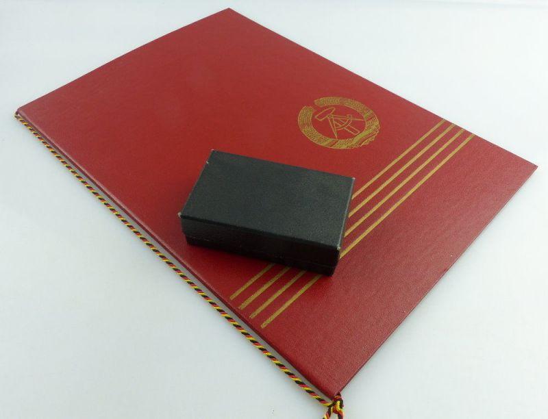 Medaille für Verdienste in der Kohleindustrie der DDR + Urkunde 1976 verl, so255 7