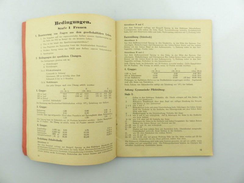 Original Leistungsbuch Deutscher Sportausschuss mit Eintragungen und Urkunde 10