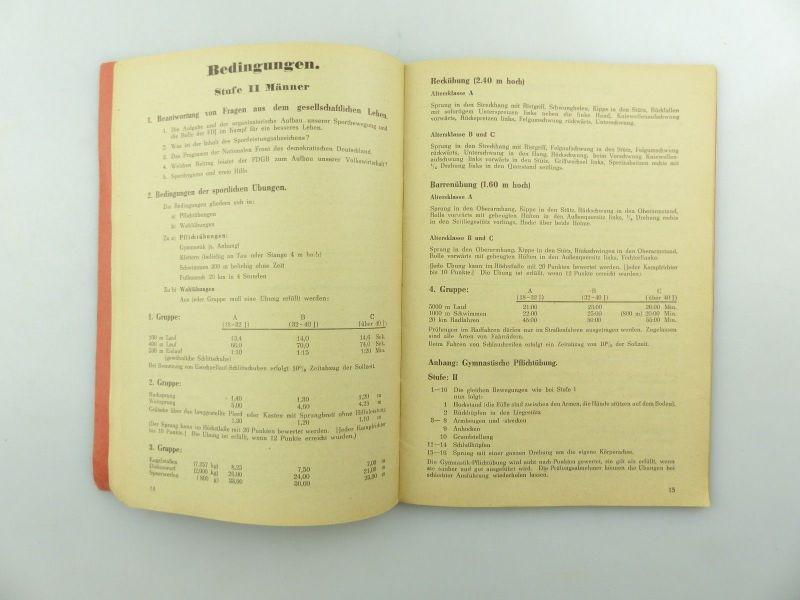 Original Leistungsbuch Deutscher Sportausschuss mit Eintragungen und Urkunde 11